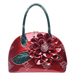 Handcee 2020 New Pearlescent Patent Leather Stereoscopic Flower Shoulder Bag Customizable Couture Ha