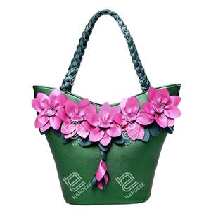 2020 New Stereoscopic Flower Bucket Shoulder Bag French Woman Handbag