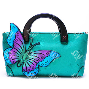 2020 New Stereoscopic Painted Butterfly Shoulder Bag Guangzhou Handbag Factory
